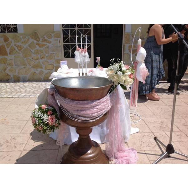 Διακόσμηση Κολυμπήθρας 'Δαντέλες, Πέρλες και Τριαντάφυλλα Μπάλες'