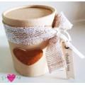 Μπομπονιέρα Γάμου Βάπτισης Αρωματικό Κερί σε Κουτί με Δερμάτινο Ταμπελάκι
